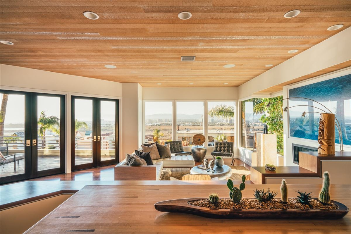 Luxury properties contemporary residence on the bluffs of Playa del Rey