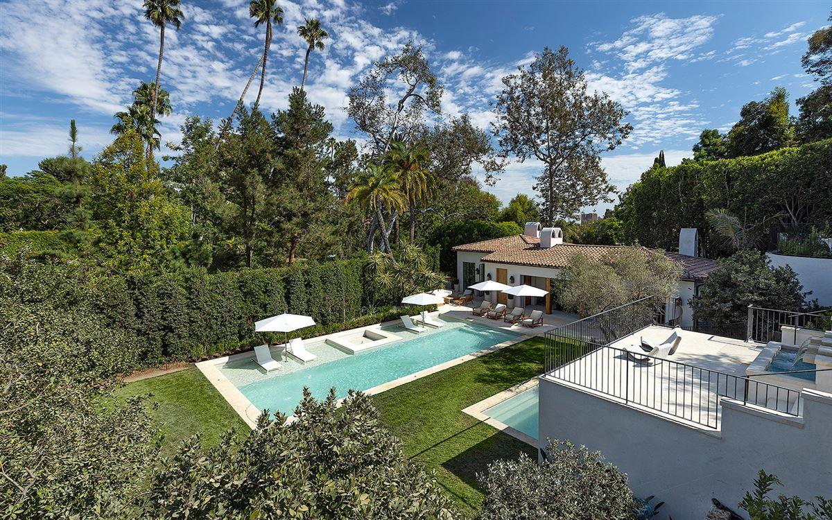 Mansions in Bellagio Estate