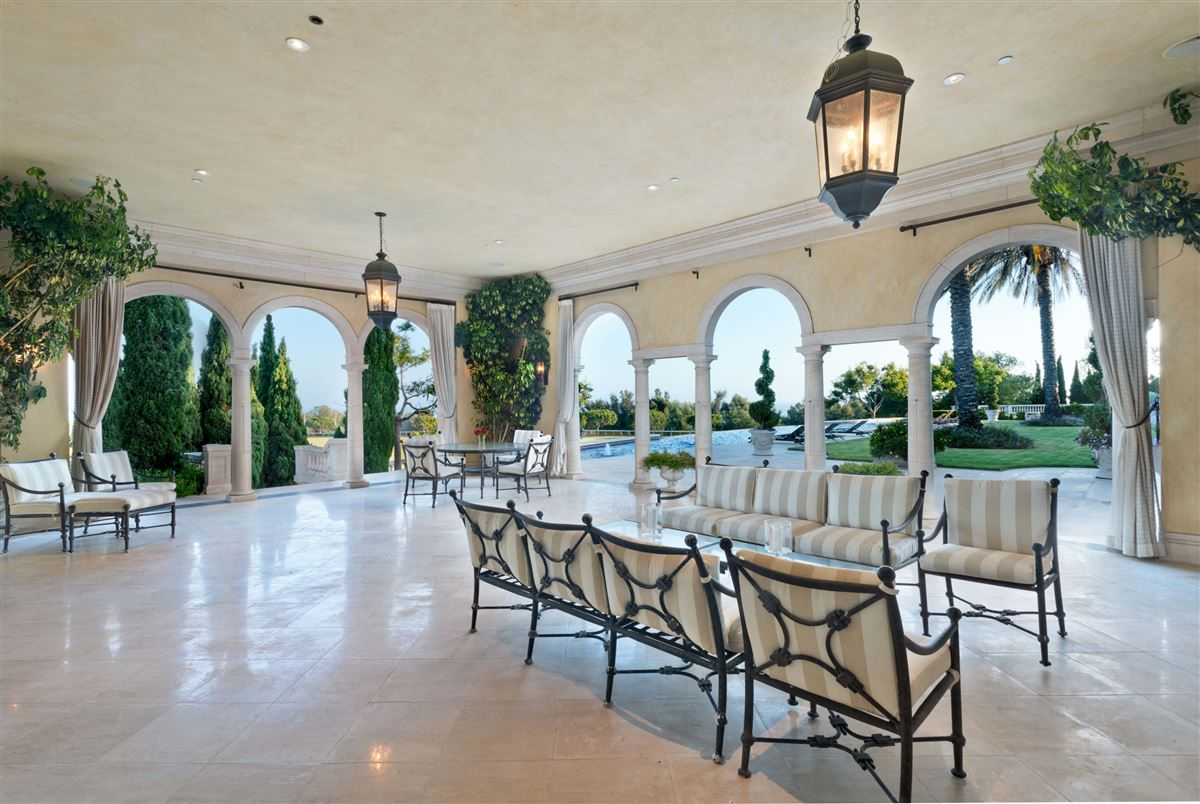 Luxury homes in European-style polo estate atop a bluff