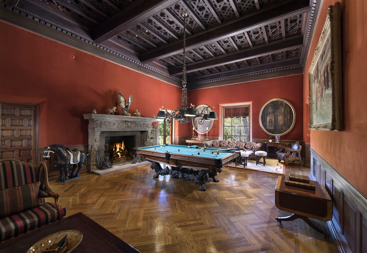 Luxury homes in The Hearst Estate