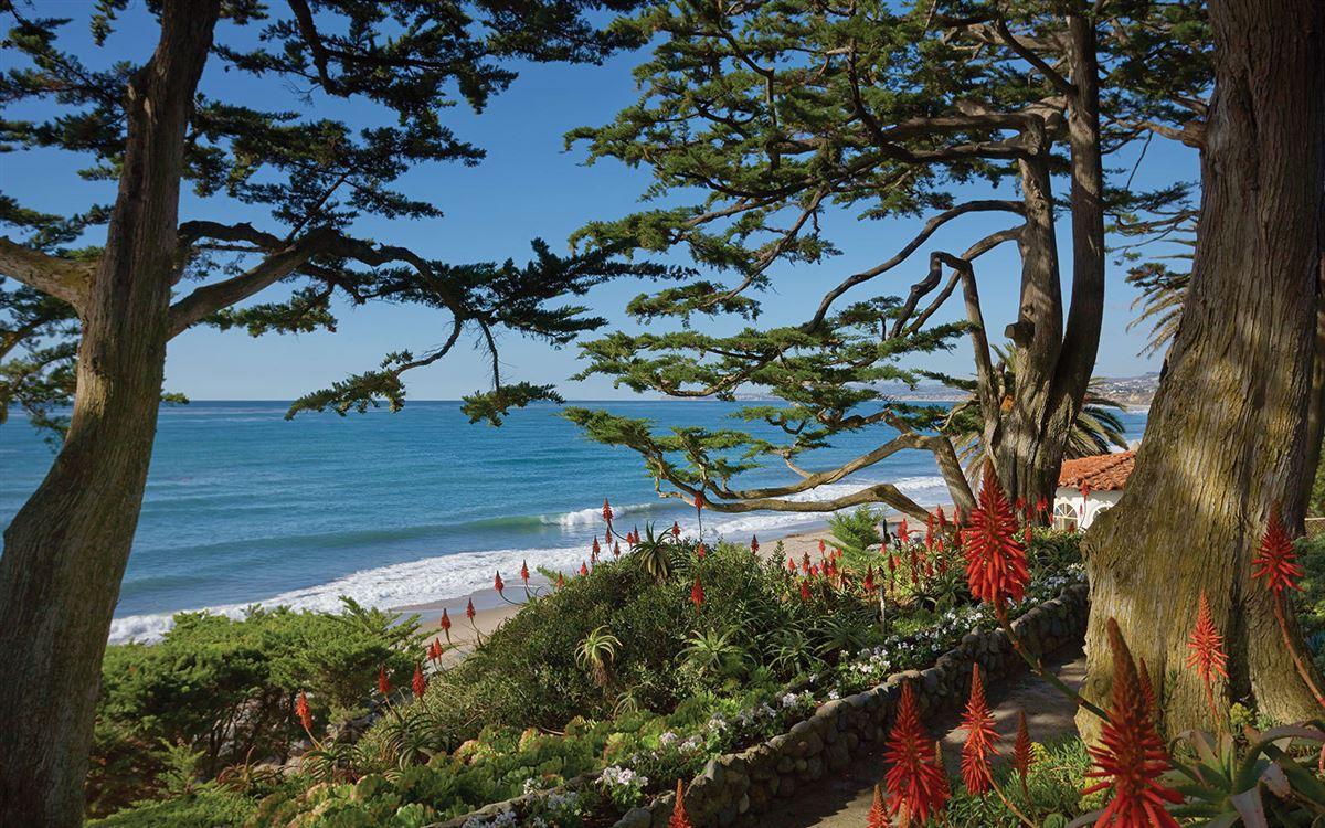 La Casa Pacifica - oceanfront estate luxury properties