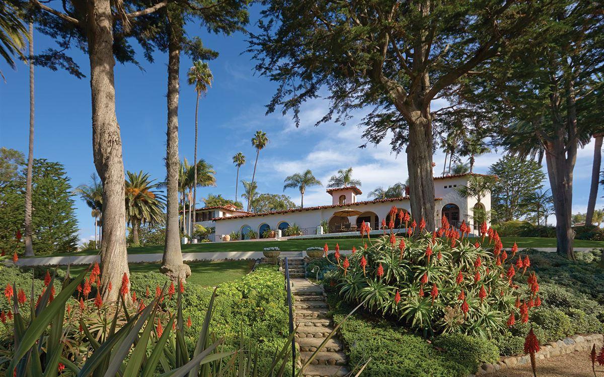 La Casa Pacifica - oceanfront estate mansions