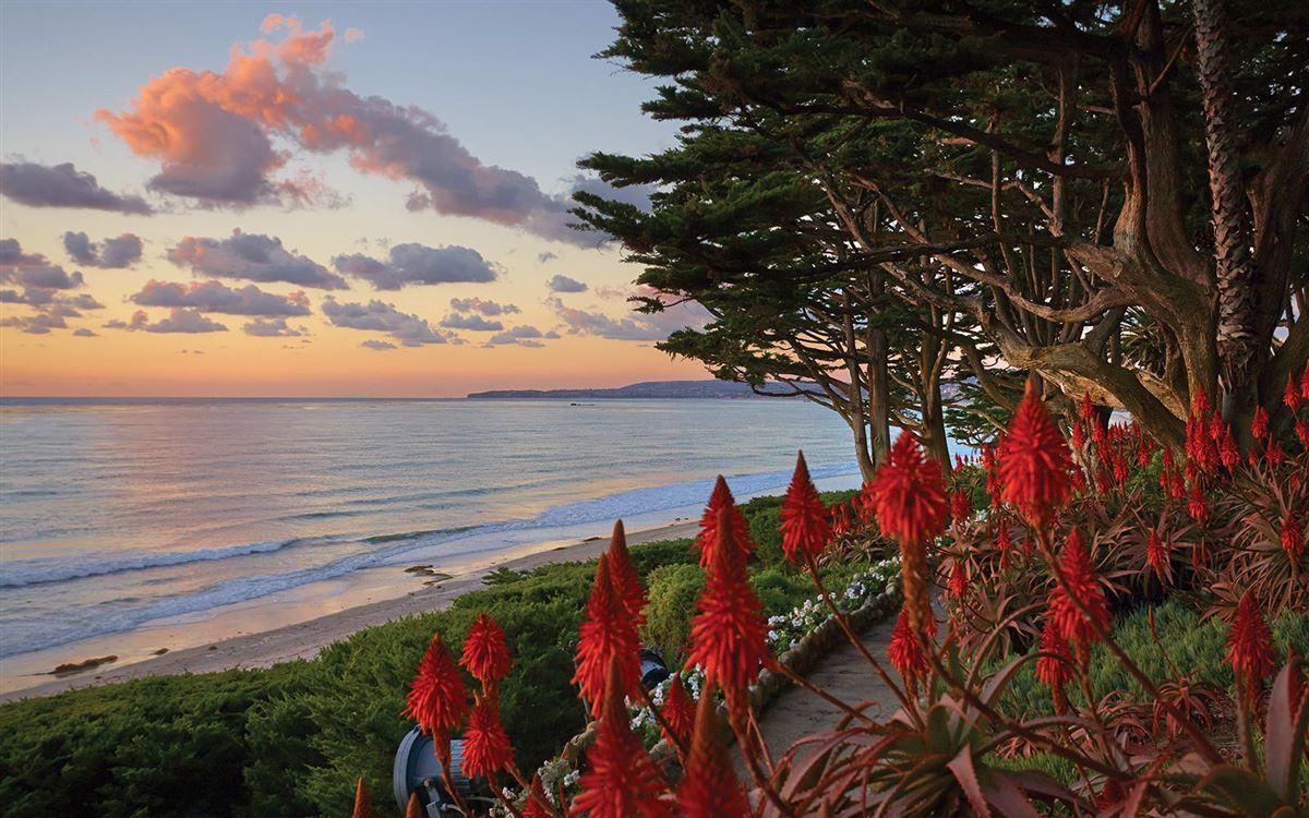 Luxury properties La Casa Pacifica - oceanfront estate