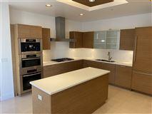 luxury living on Wilshire luxury homes