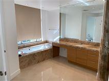Luxury real estate luxury living on Wilshire