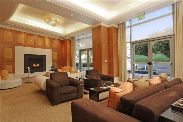 luxury living on Wilshire luxury real estate