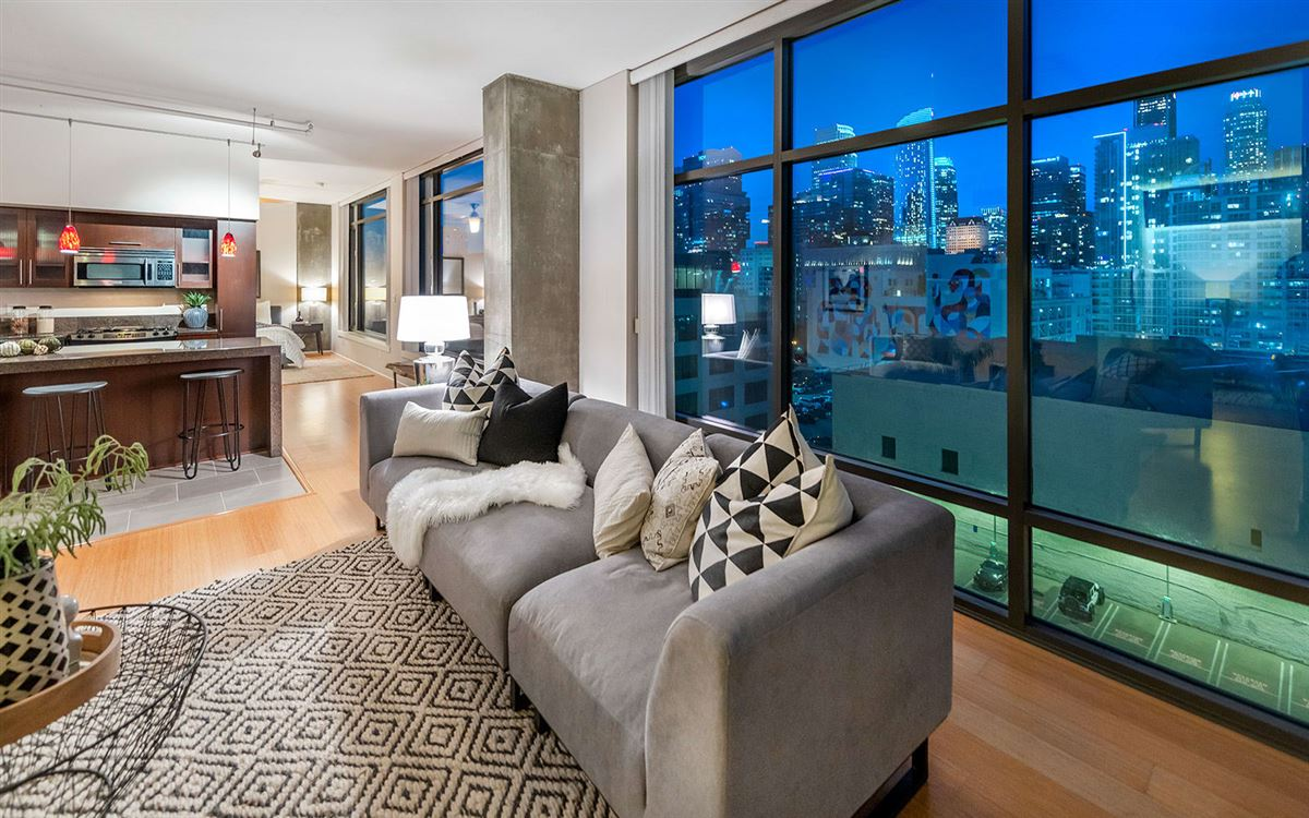 Luxury homes in bright corner unit with UNPARALLELED CITY VIEWS