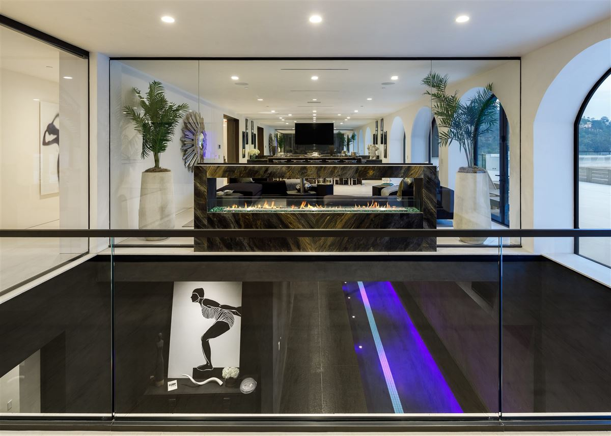 UNICA - a one-of-a-kind LA trophy estate luxury homes