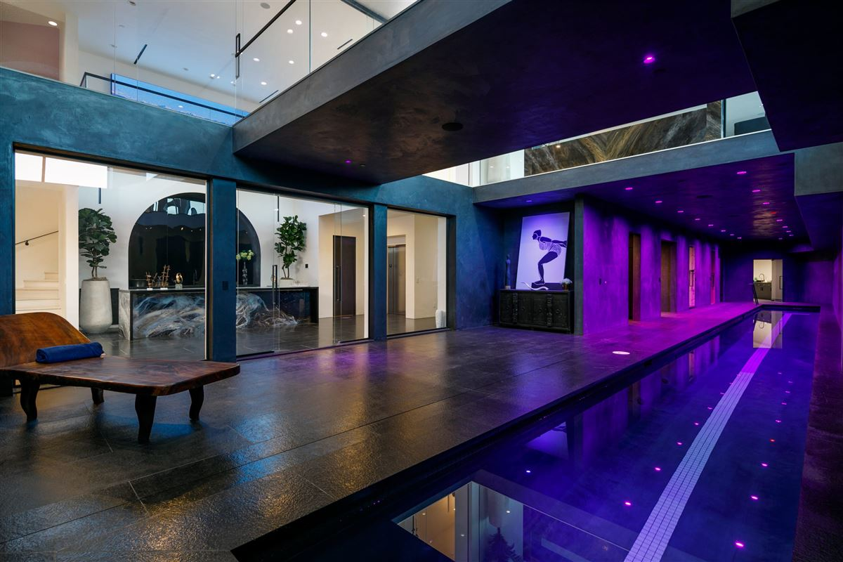 Luxury real estate UNICA - a one-of-a-kind LA trophy estate