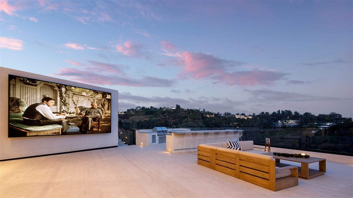 Mansions UNICA - a one-of-a-kind LA trophy estate