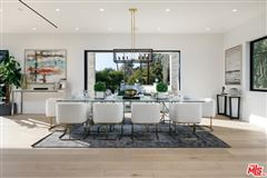 Luxury properties Gorgeous new construction in El Medio Bluffs