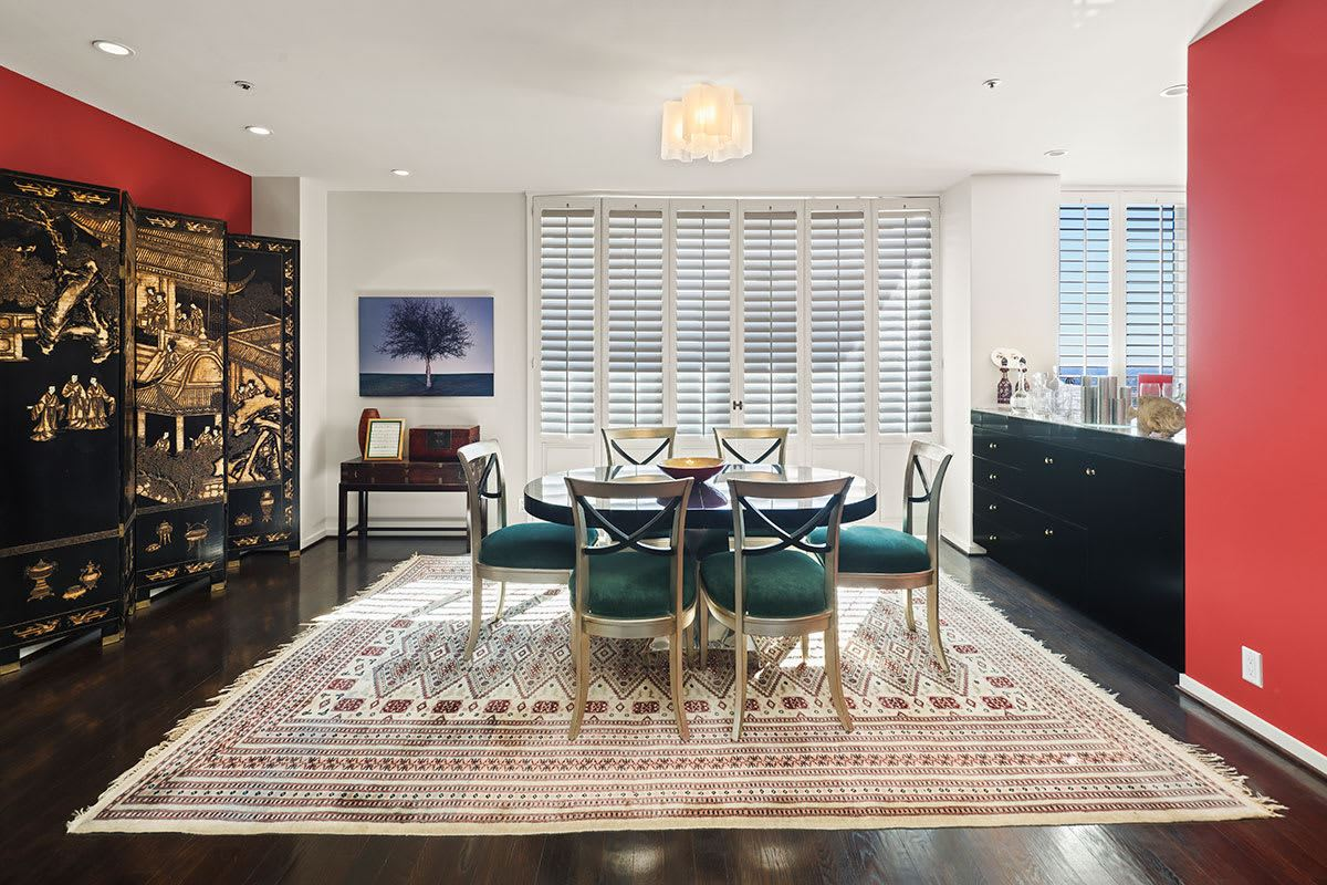 magnificent coop in The Wilshire Terrace luxury real estate