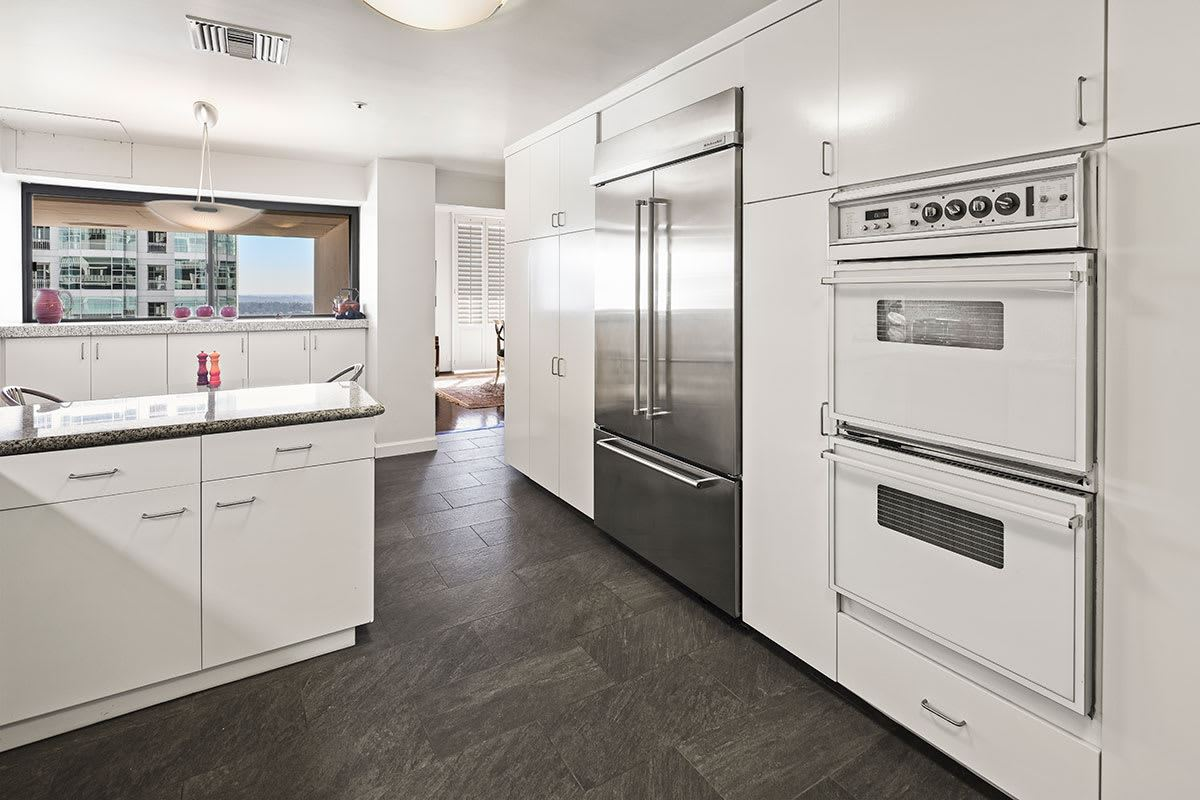 Luxury homes in magnificent coop in The Wilshire Terrace