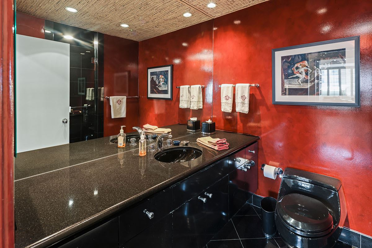 Luxury homes magnificent coop in The Wilshire Terrace