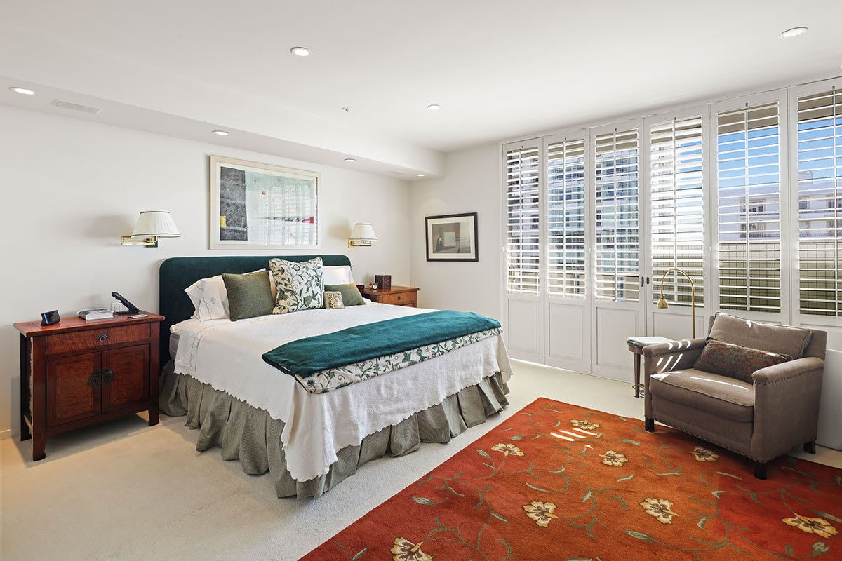 Luxury real estate magnificent coop in The Wilshire Terrace