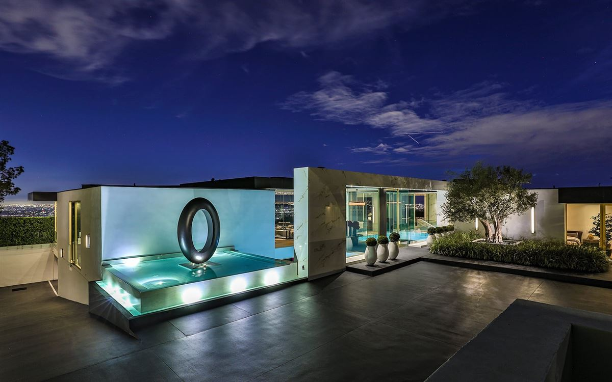 THE MOST SPECTACULAR MODERN HOUSE EVER | California Luxury