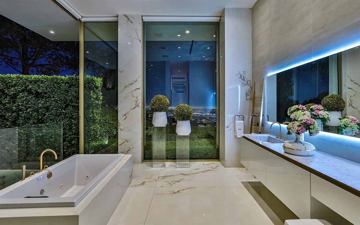 Luxury homes in The most spectacular modern house ever