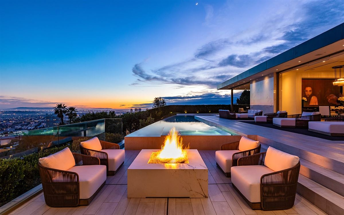 THE MOST SPECTACULAR MODERN HOUSE EVER | California Luxury Homes