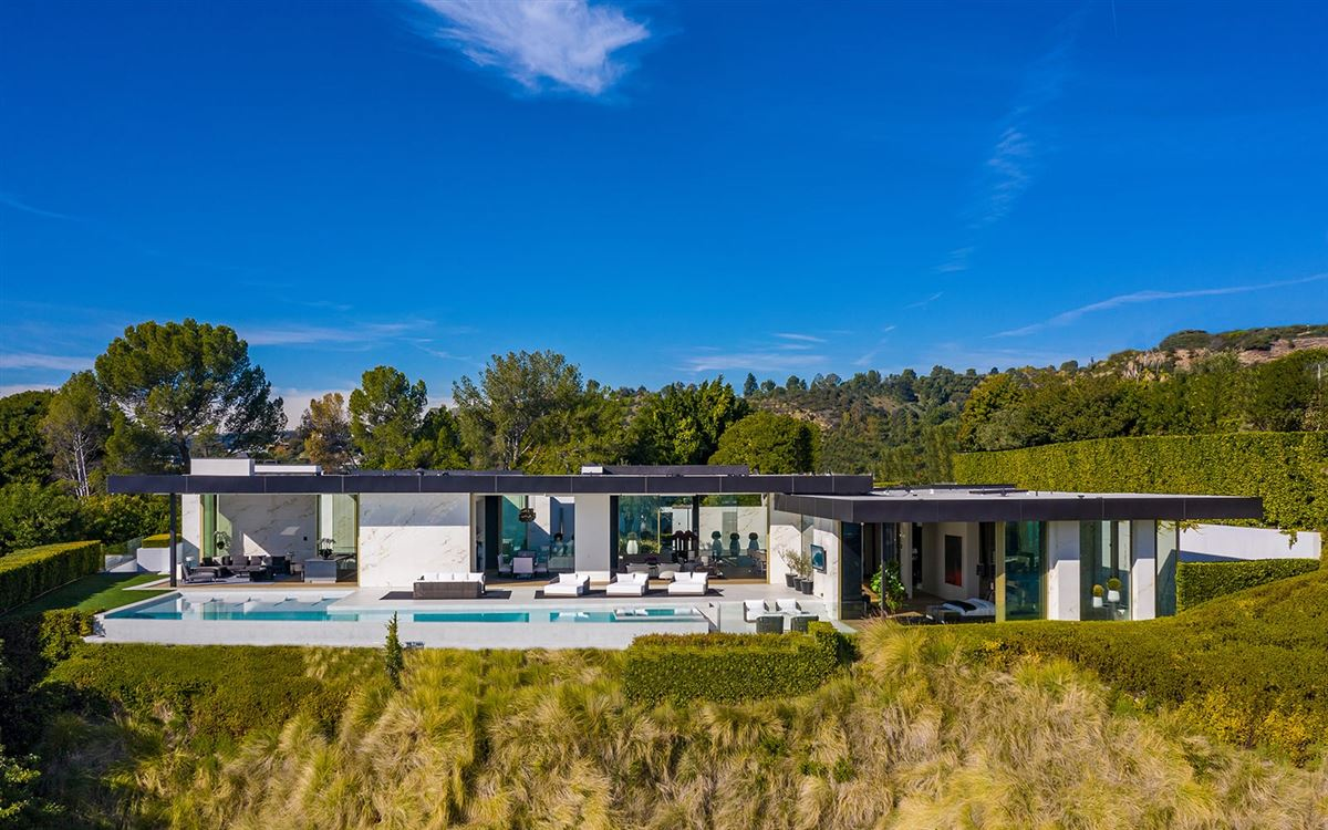 Luxury real estate The most spectacular modern house ever