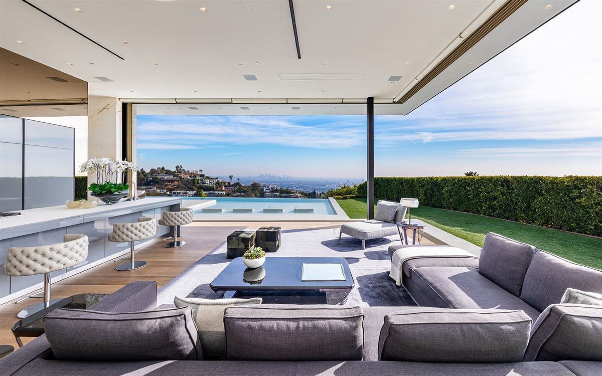 Luxury properties The most spectacular modern house ever