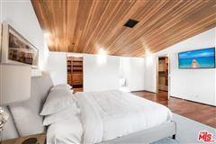 Loft living in the heart of Venice luxury properties