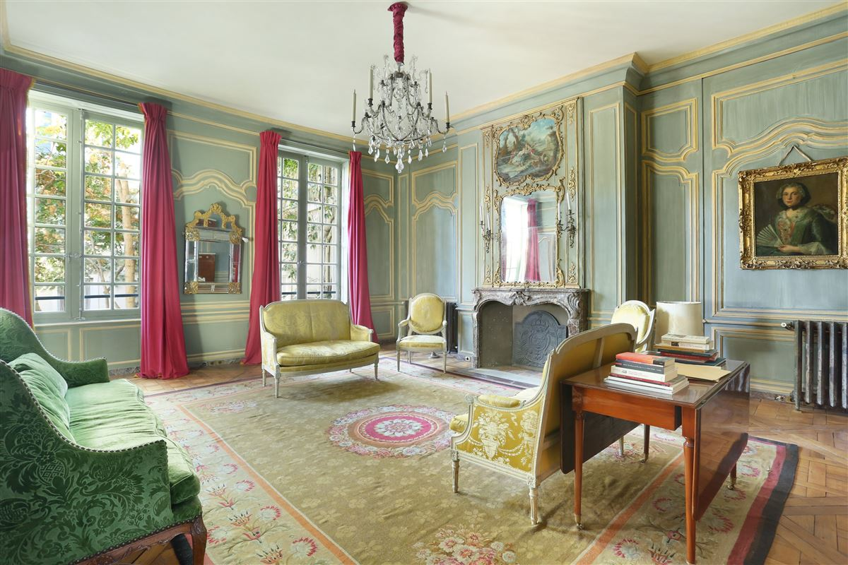 a stunning apartment in paris 2nd luxury homes