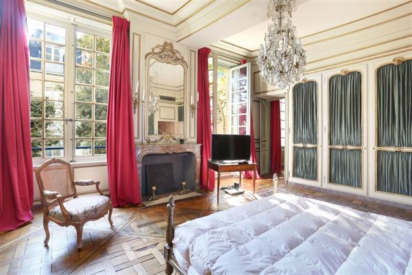 Luxury homes a stunning apartment in paris 2nd