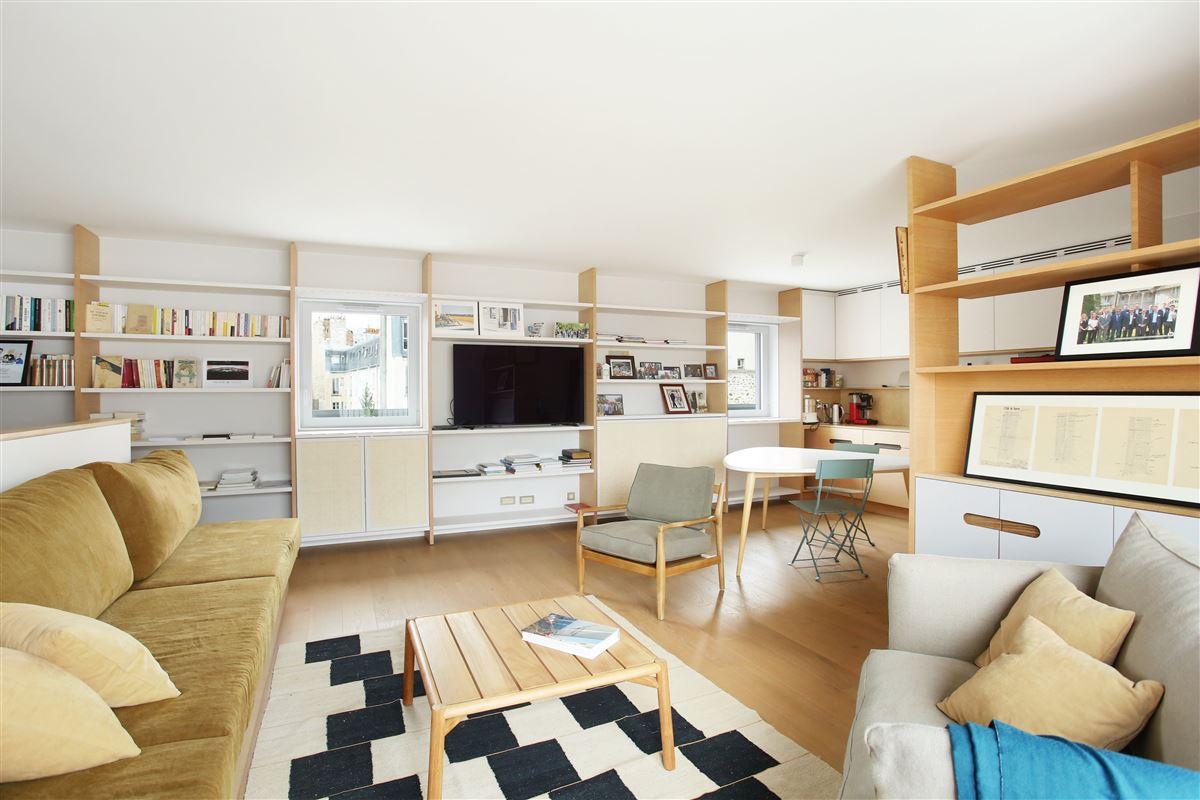 Mansions in top floor duplex apartment