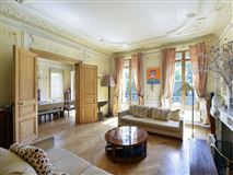 Exceptional townhouse in perfect condition mansions