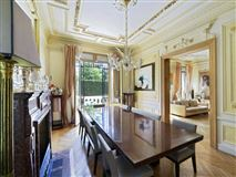 Luxury homes in Exceptional townhouse in perfect condition