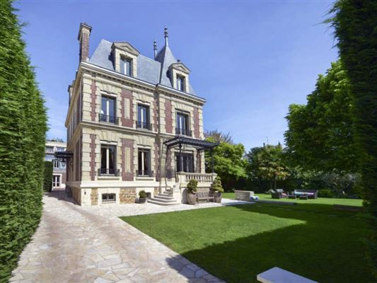 Exceptional townhouse in perfect condition luxury properties