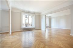 Luxury homes in beautiful third floor apartment for rent
