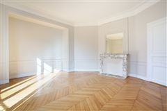 Mansions in beautiful third floor apartment for rent