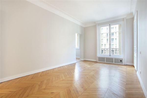 Luxury properties beautiful third floor apartment for rent