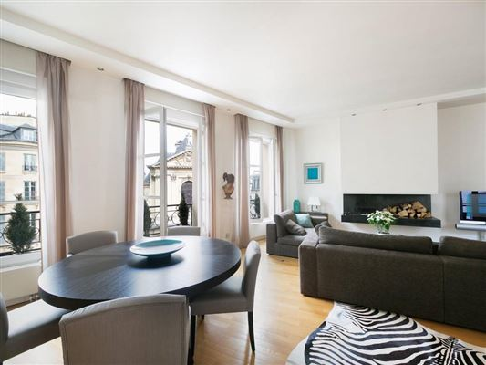 Luxury homes Hotel de PREVENCHERES top floor apartment