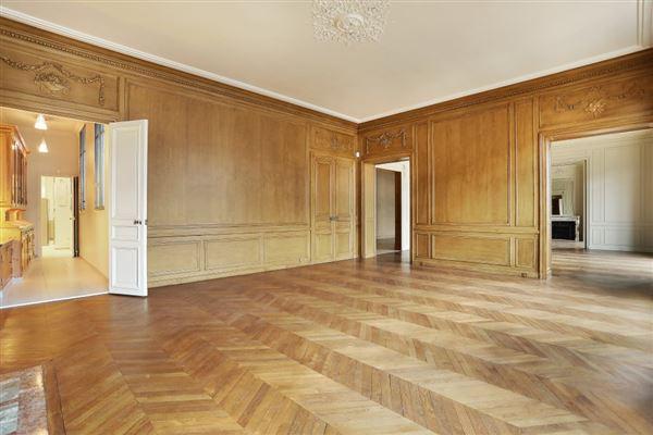 Luxury homes beautiful apartment in prestigious building