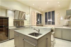 beautiful apartment in prestigious building luxury homes