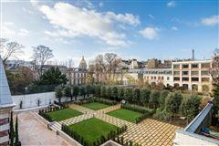 Luxury homes in mansion in paris