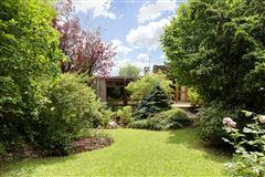 Mansions property in Saint Cloud Montretout neighbourhood