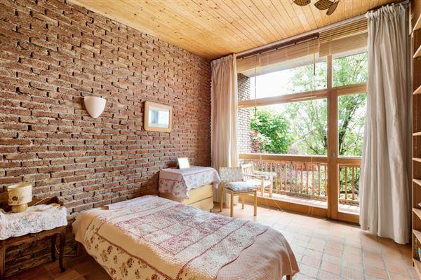 Luxury real estate property in Saint Cloud Montretout neighbourhood