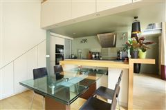 Luxury homes in first floor split-level apartment for rent