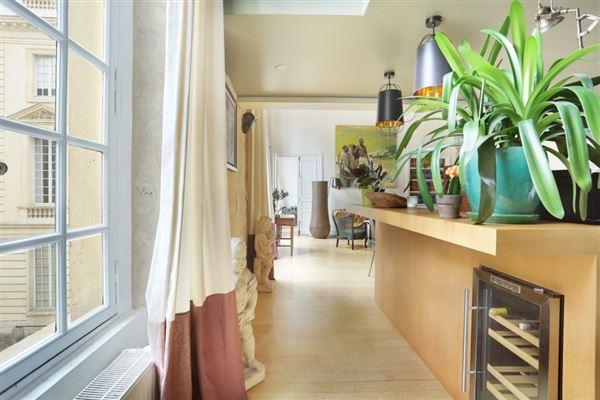 first floor split-level apartment for rent luxury properties