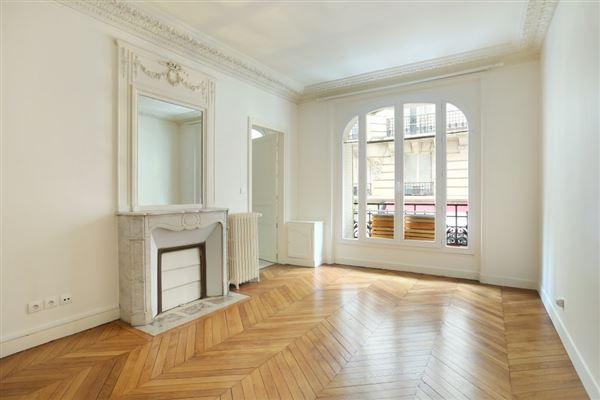 first floor rental in a corner building luxury homes