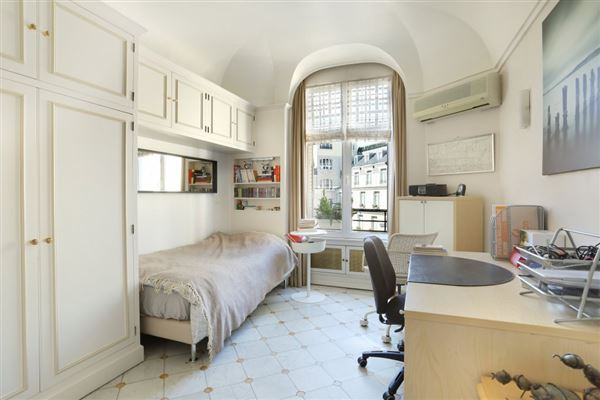 Luxury properties bright and peaceful furnished rental