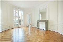 bright and open rental apartment mansions