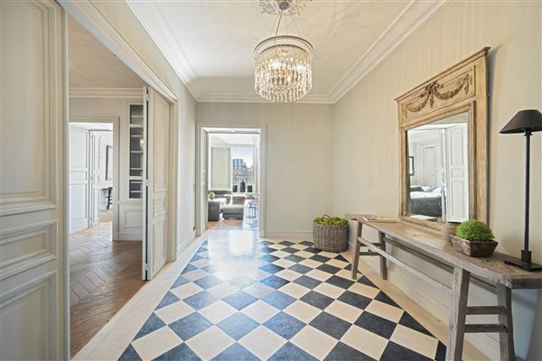 Luxury real estate one of the most beautiful addresses in Paris