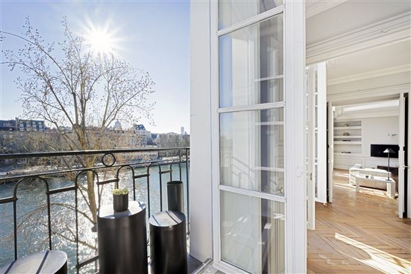one of the most beautiful addresses in Paris luxury properties