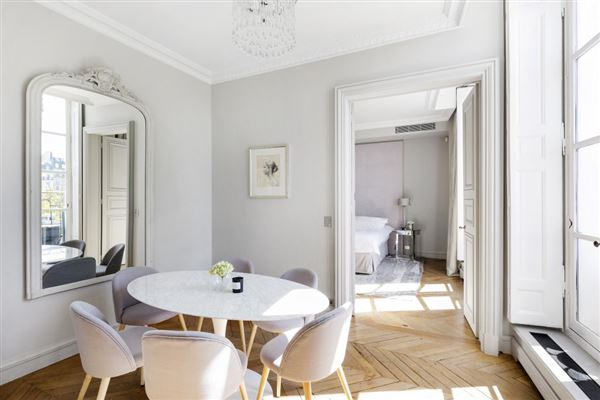 Luxury properties one of the most beautiful addresses in Paris