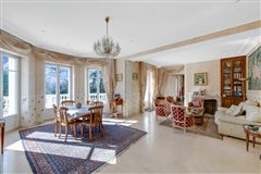 Luxury homes in beautifully appointed elegant estate