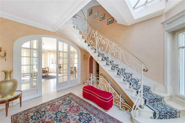 beautifully appointed elegant estate luxury real estate